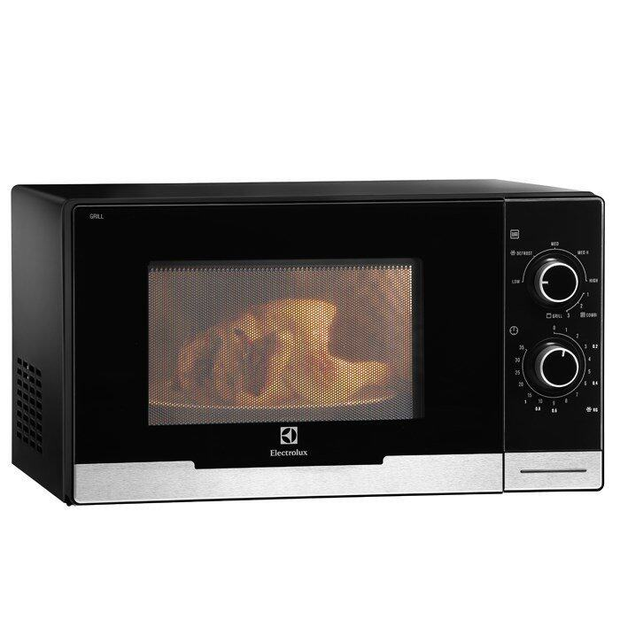 which is better induction cooker or microwave oven