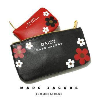 MARC JACOBS Daisy 2 Pieces Hand Clutch Wristlet Coin Purse Leather Everyday Carry Organization Pouch Set (Red/ Black)
