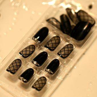 Tips Design Black Oval Fake Nails Transparent Lace Short Oval withRhinestone artificial nails