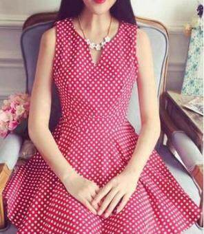Graceful sexy red polkadot sleeveless skirt expandable dress (Red v-neck)