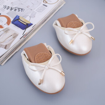 Soft bottom black female New style work shoes Shoes (White Color) (White Color)