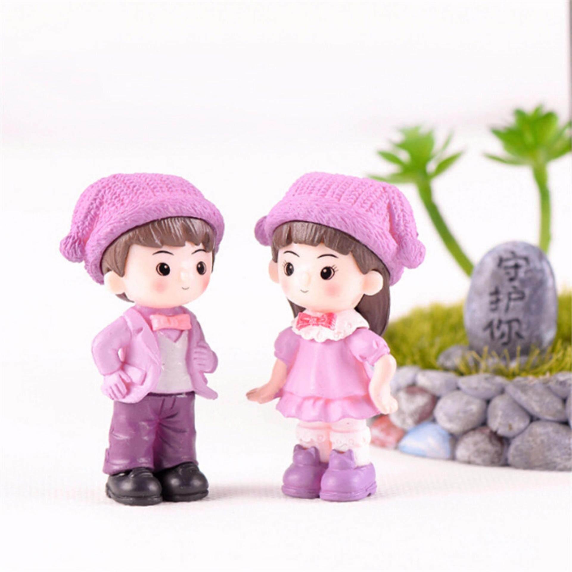 Couple With Hat Resin Miniature Figurine Fairy Garden Decor Micro Landscape
