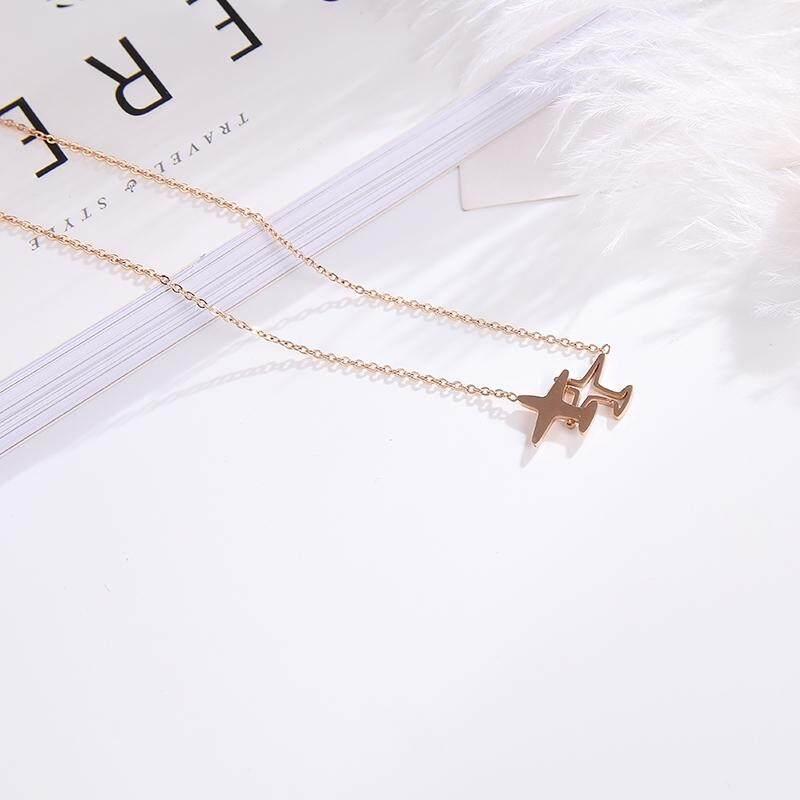 【Pesawat terbang】2018 Nona Han Guochao titanium baja baru naik kalung emas tidak pudar minimalis mode klavikula rantai kalung TISCO