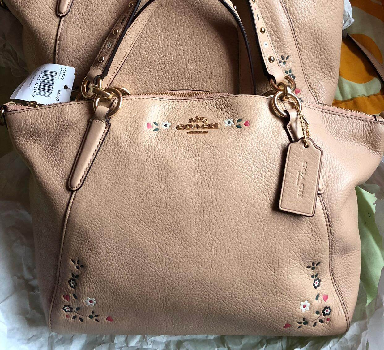 Features Small Kelsey Satchel In Pebble Leather Coach F36675 Dan Authentic