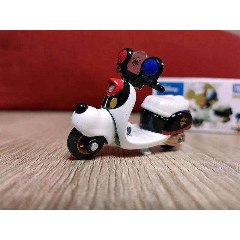 Tomy Tsum Tsum Mickey Mouse Police Bike