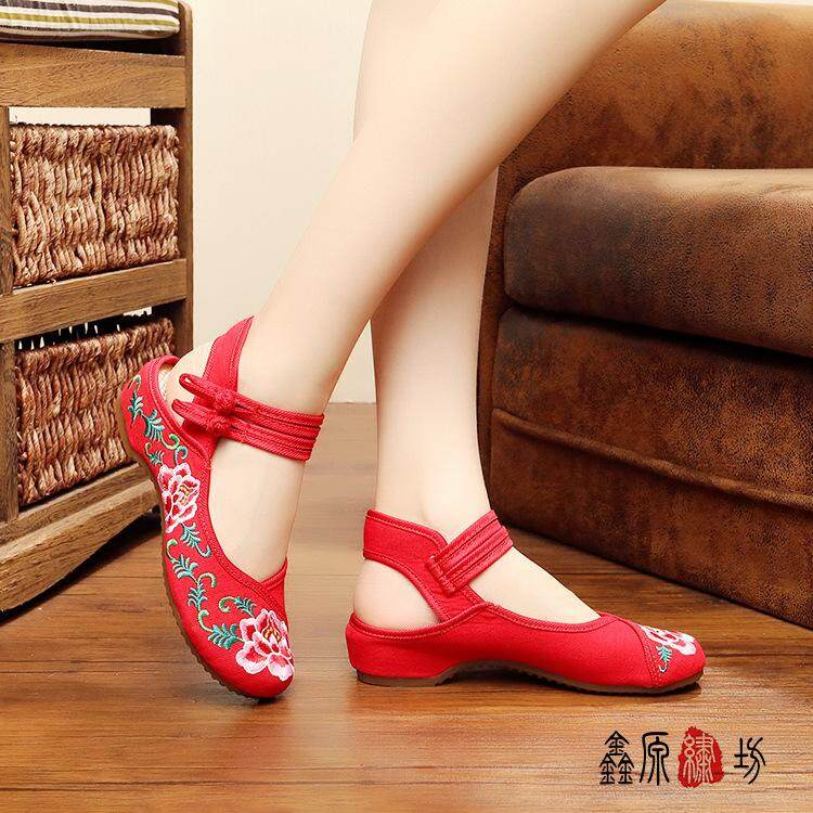 a4e83cecbf93 2019 Summer And Autumn Rhododendron Leakage with Sandals Wedding Shoes  MIMZF Old Beijing Embroidered Shoes Rubber