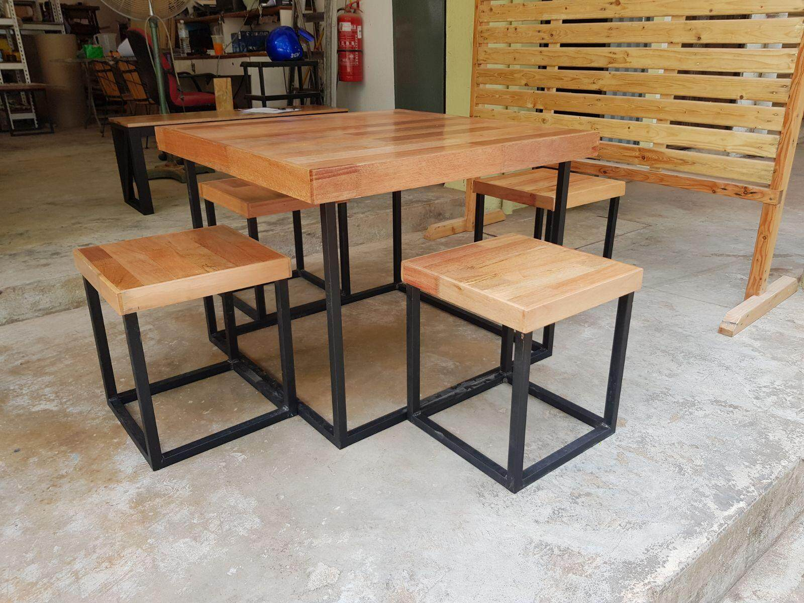 Ladubee Table with 4 stools
