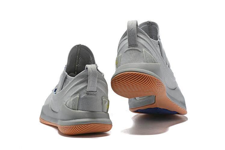 Under Armour Resmi Stephen Curry Curry 5 Low Top SC Pria Basketaball Sepatu  Sport (Putih 8d54a970c3