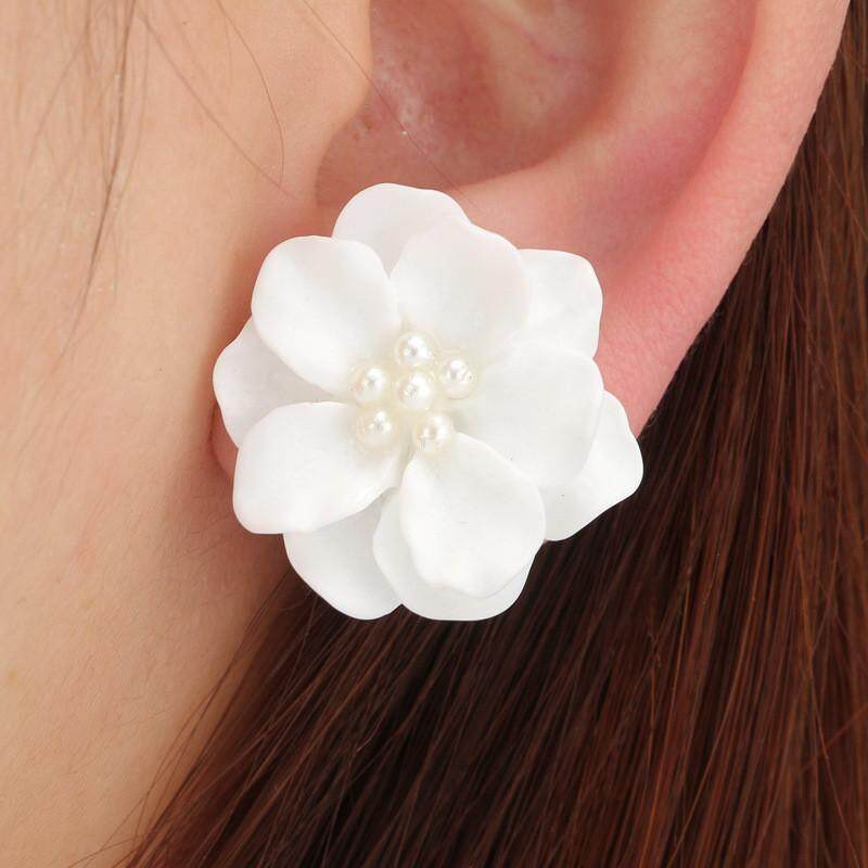 Fashion Kesepakatan Yang Indah Bunga Putih Liontin Mutiara Lingkaran Anting Stud Desain Mode .