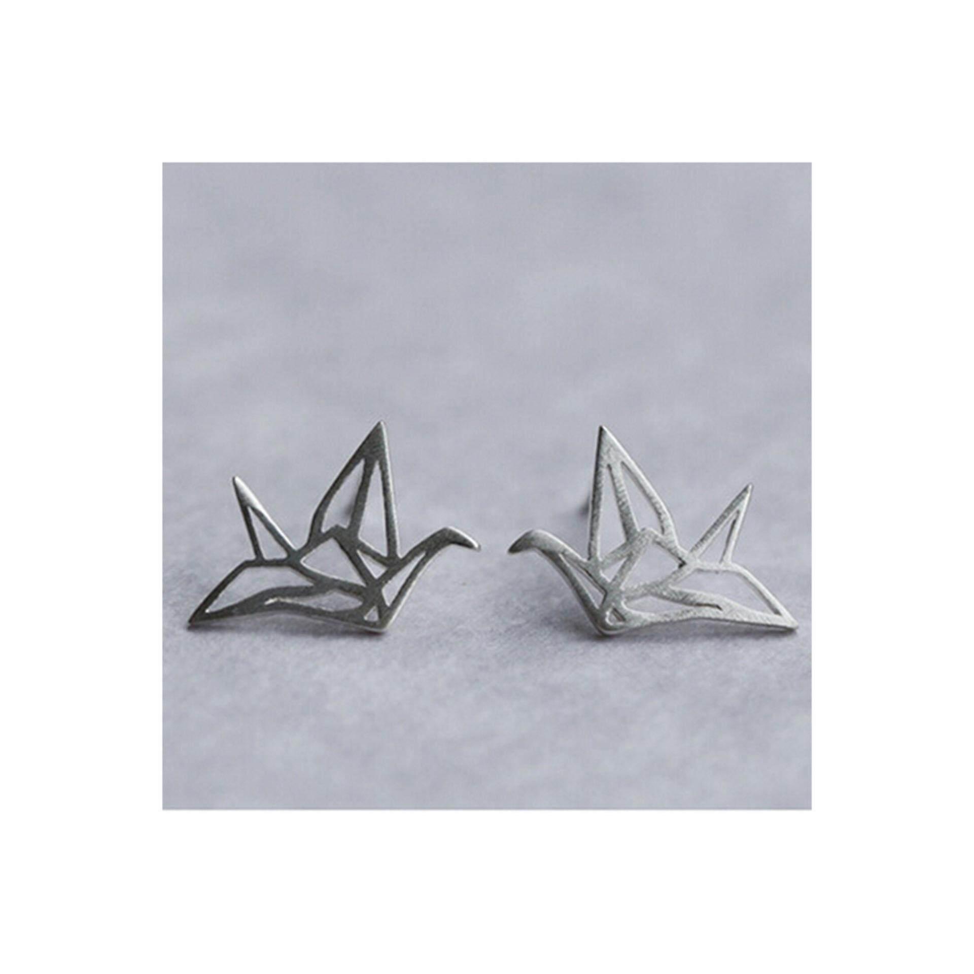 Jarum perak bertatahkan zirkon anting-anting cinta. Source · Indah Origami Crane Anting-