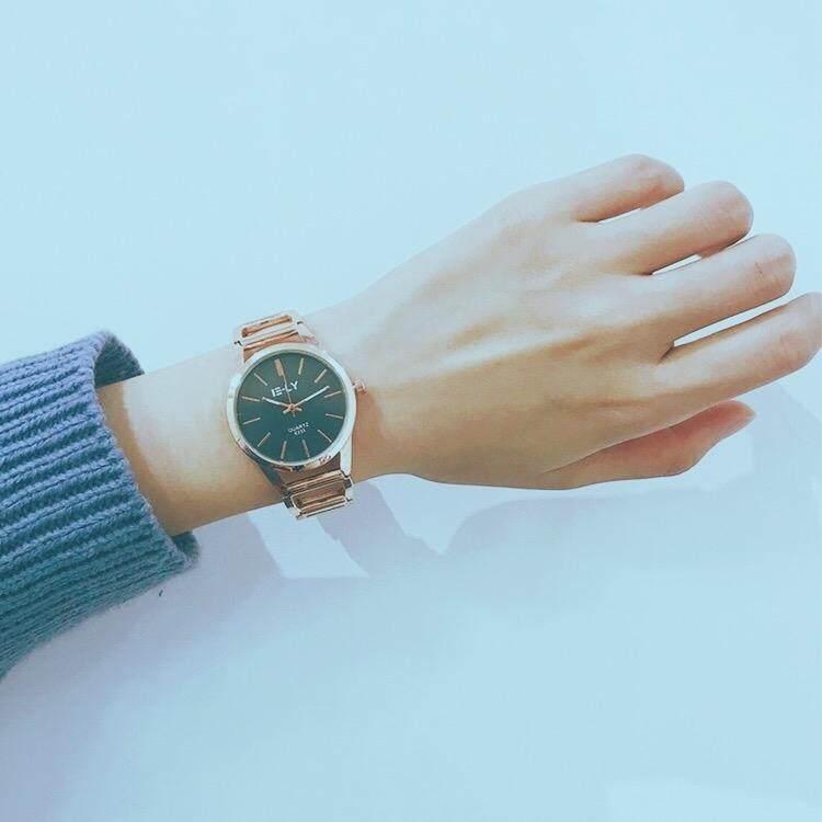 Kotak arloji putih + meter + elektronik ?Rantai menonton siswa perempuan versi Korea dari ?
