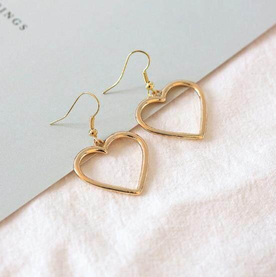 1 Pair Alloy Women Earrings Female Heart Shaped Ear Studs Jewelry Decoration - intl