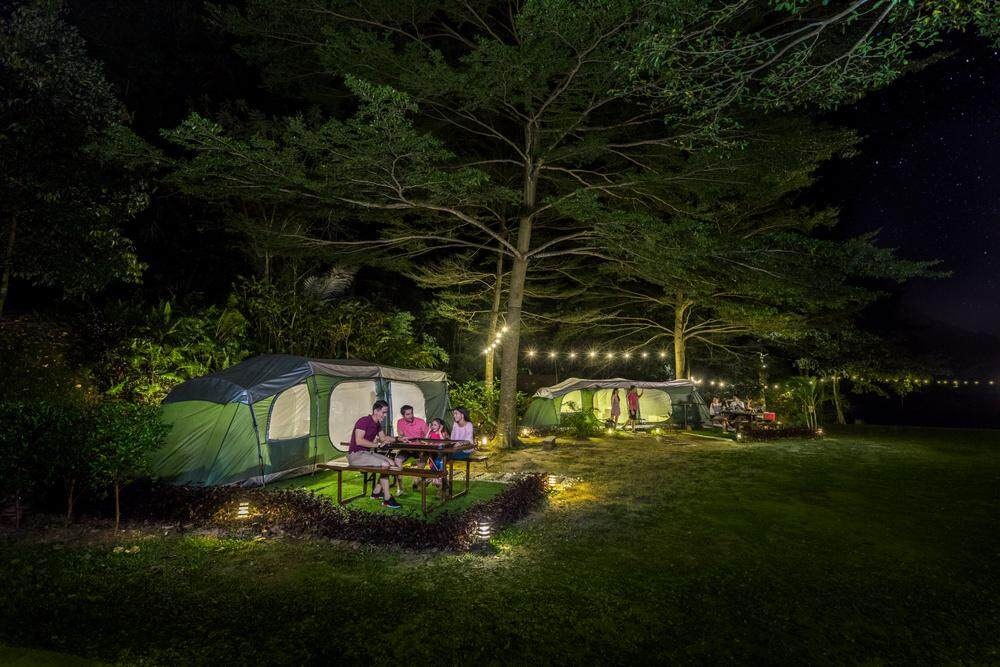 [Hotel Stay/Package] 2D1N Lost World Glamping (Floating Chalet) FREE 2 Days Lost World Theme Park + 1 Night Hotspring Entrance + Breakfast for 2 Adults (Ipoh)