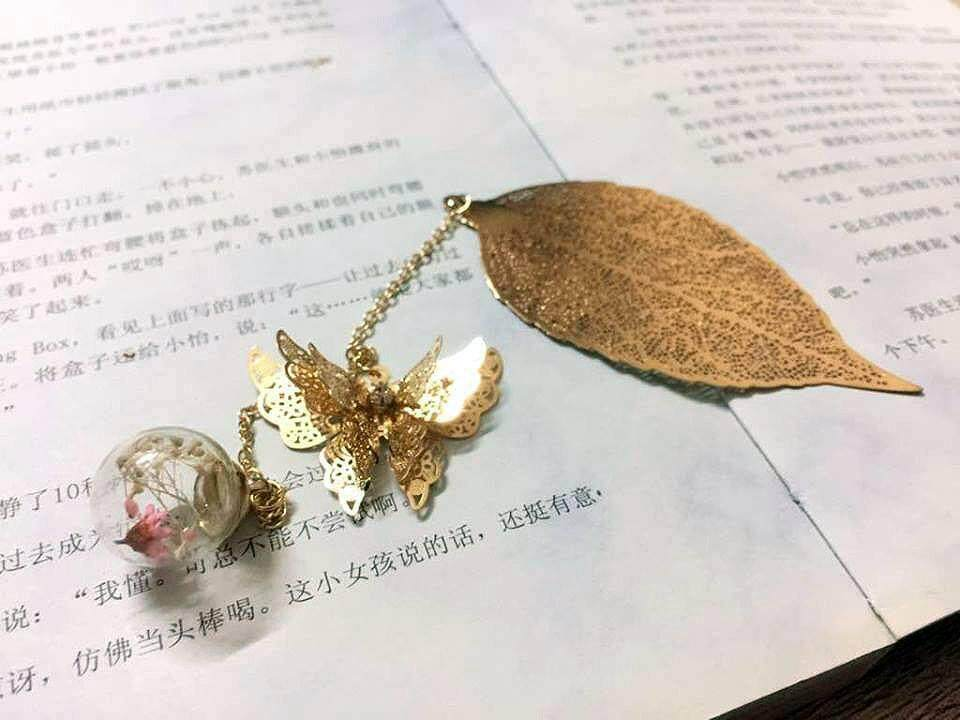 Gold Leaves Butterfly Bookmark With Baby Breath