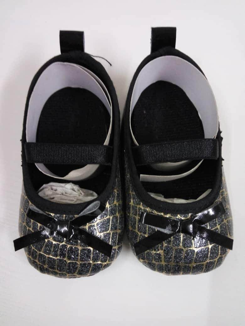 Pre-walker shoes (babies until 12 months)