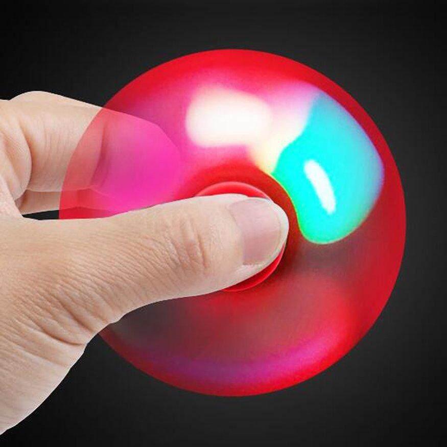 Uinn LED Bentuk Kelelawar Memutar Tangan Spinner Keramik Bearing Mengurangi Jari Mainan Merah