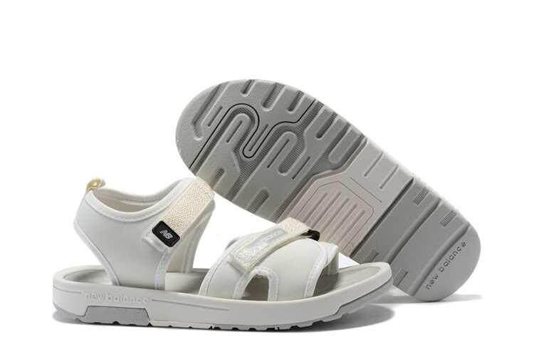 Asli Fashion NEW BALANCE NB Pria dan Wanita Sandal Pantai Cepat Kering Non-Slip Sepatu Bernapas Ringan Kasual Luar Ruangan kenyamanan Sandal Sepatu Pasangan 3 Warna Ukuran 35-45-Intl