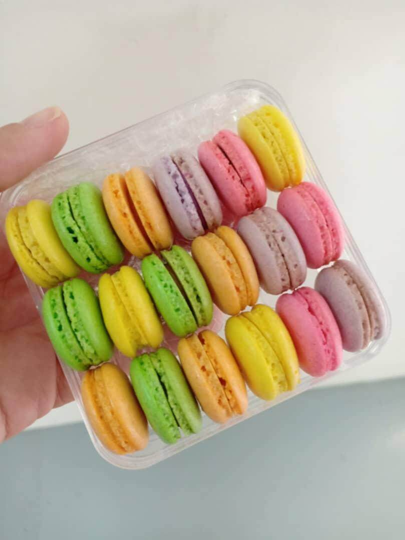 Baby Macarons (size S)