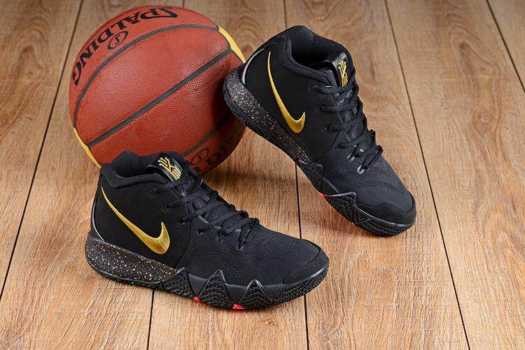 e596847052534 Nike Asli Kyrie Irving 4 Sneakers Pria Basketaball Sepatu Hitam Emas