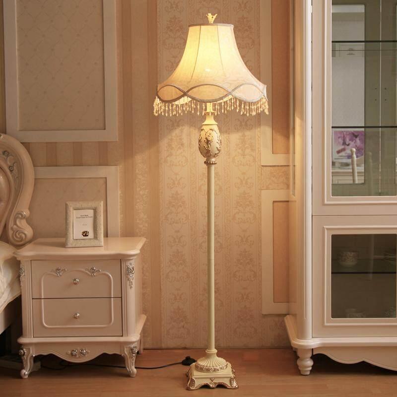 European Style Living Room Lamp Creative Vertical Simple Modern Pastoral Bedroom Bedside Floor Lamp(E27 110V-240V )
