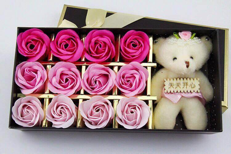 12 faded soap roses with bear gift box