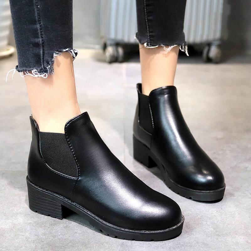 Kecil dengan Sepatu Bot Pendek Perempuan Musim Semi dan Musim Gugur 2018  Model Baru Hitam Alay 8324cae5b3