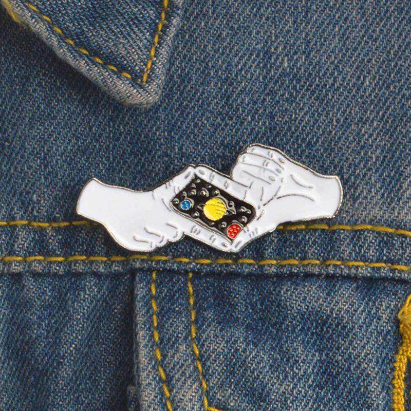 Fancyqube 1Pcs Planet Photographing Gesture Camera Brooch Creative  Goodnight Star Hands Enamel Pin Denim Hat Badge Friends Gift