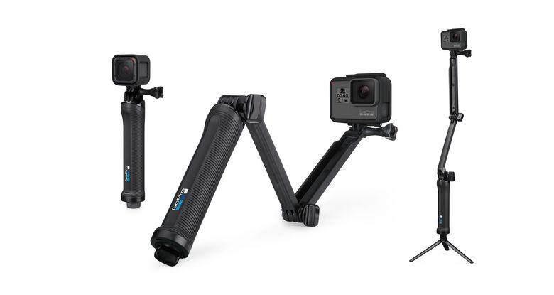 GoPro HERO 7 Black [FunSportz Malaysia Warranty] FOC 1pc Extra GoPro Battery, 1pc GoPro Sleeve+Lanyard, 1pc SanDisk Extreme 32GB SD CARD & 1pc GoPro 3WAY Monopod