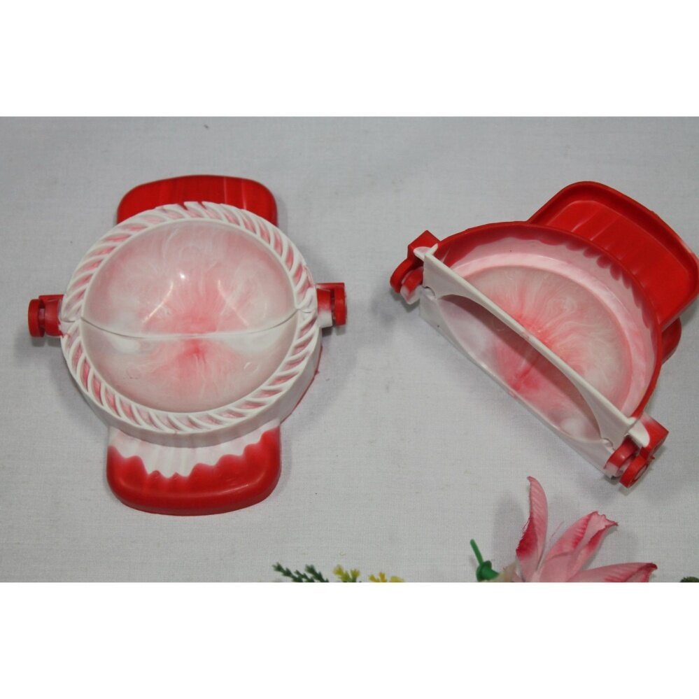 1pc 3 inches/ 7.5cm Plastic Curry Puff Mould (Red White)