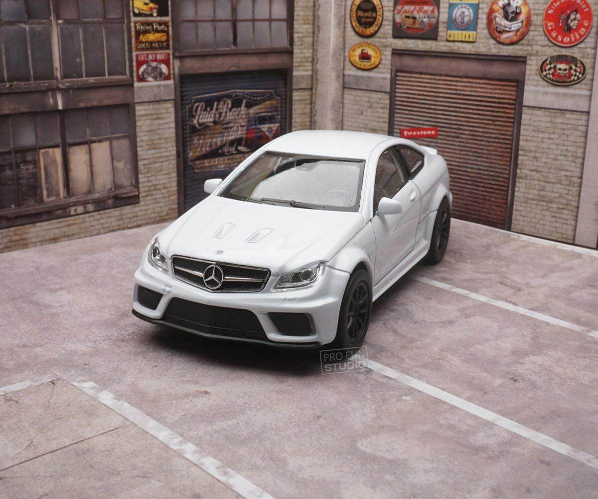 Welly Mercedes Benz C63 amg COUPE 1/36 1/32 1/34 Diescat Car model White Limited Stock in World