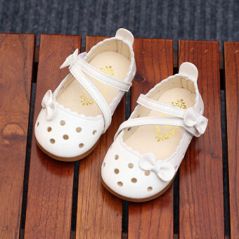 Small children sandals 2017 Xia Xin girls princess shoes hollow Baby Shoes Korean-style shoes peas shoes soft bottom children's shoes