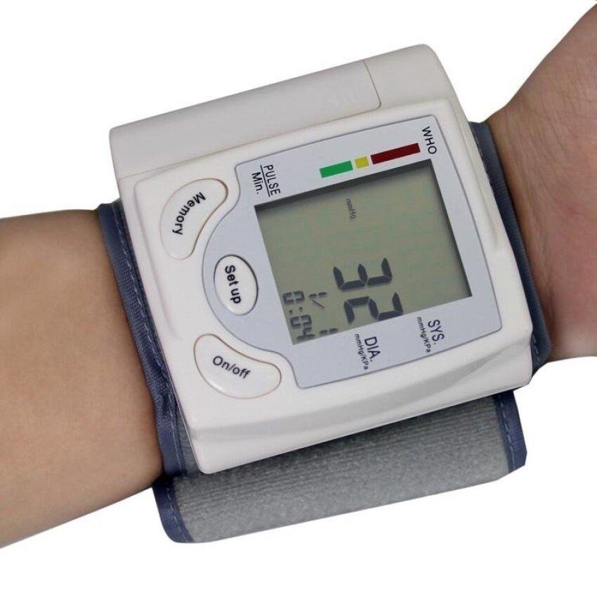Portabel Digital Monitor Tekanan Darah (Warna: Putih)-Internasional