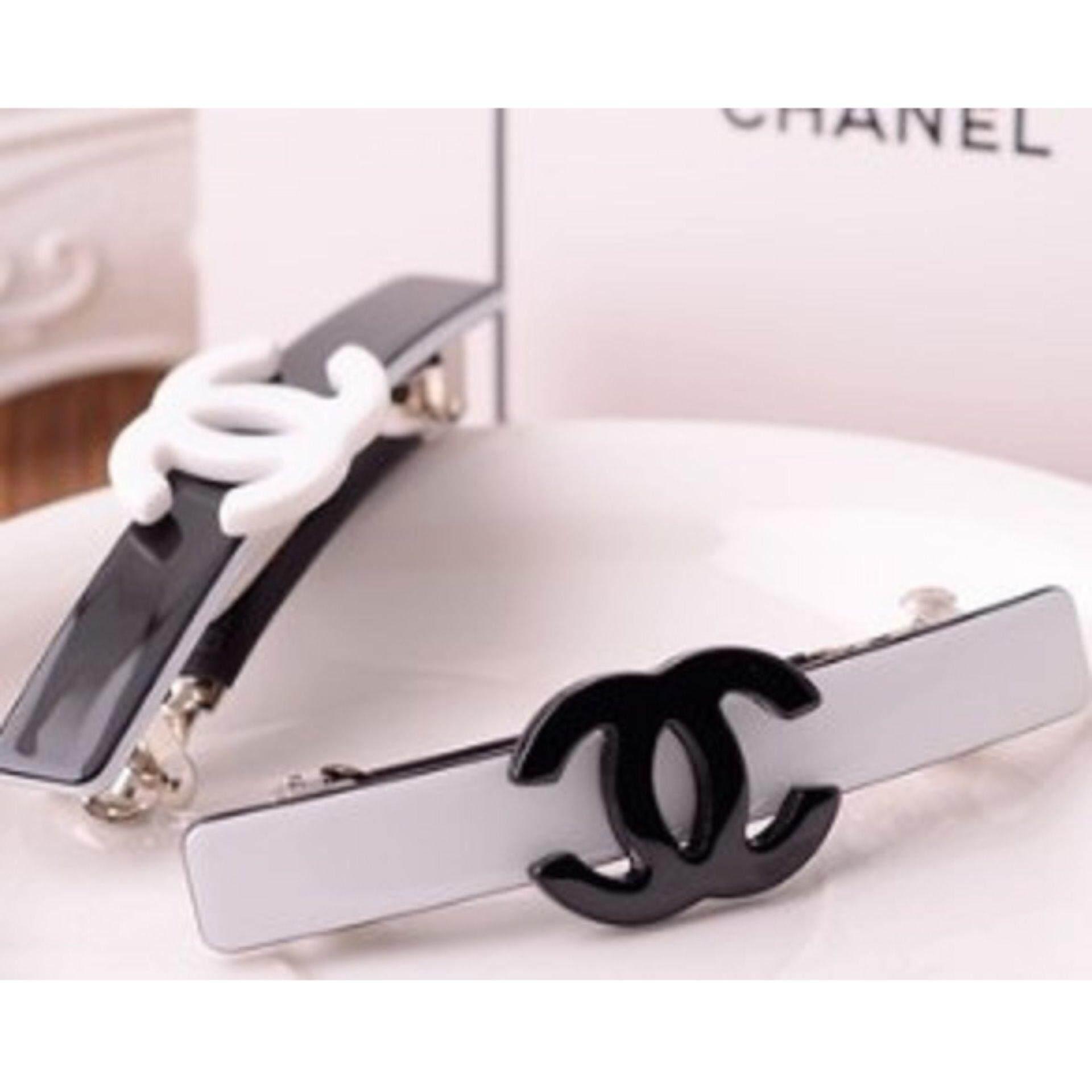 Authentic Chanel VIP Hair Clip- Very rare (Black)