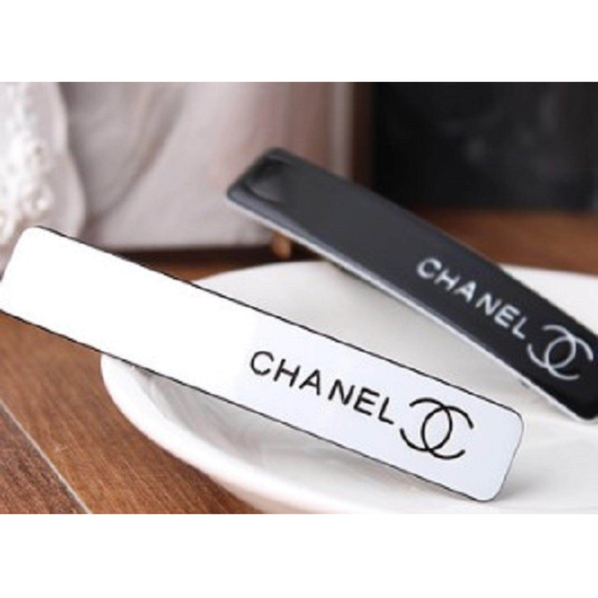 Authentic Chanel VIP Hair Clip- Very rare (White)