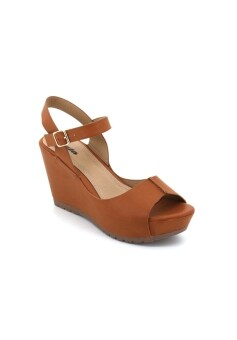 Harga Bata Women - BZ02 Wedge Sandals (Camel)
