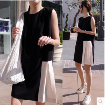 Stitching black and white summer paragraph Slimming effect vest dress