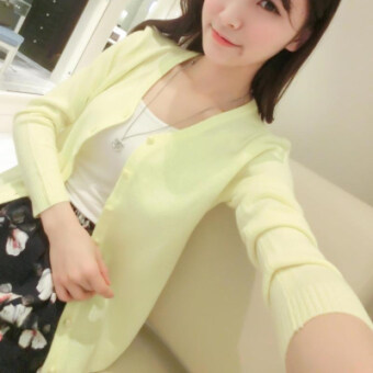 Versatile V-neck autumn jacket knit shirt (Light yellow) (Light yellow)