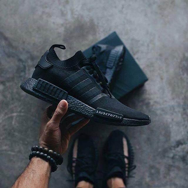 ยี่ห้อไหนดี  ยโสธร รองเท้า Adidas NMD R1 Primeknit ญี่ปุ่น Pack Triple สีดำ