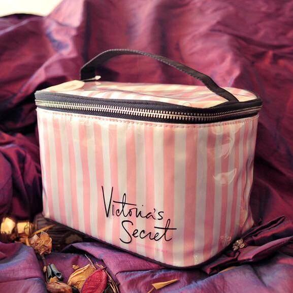 Victoria\'s Secret Medium Makeup Stripe Organiser Bag