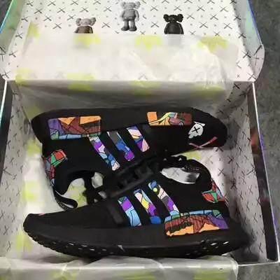 นครสวรรค์ Adidas NMD x KAWS R1 สีดำรองเท้าผู้ชายกีฬาคลังสินค้าพร้อม Boost