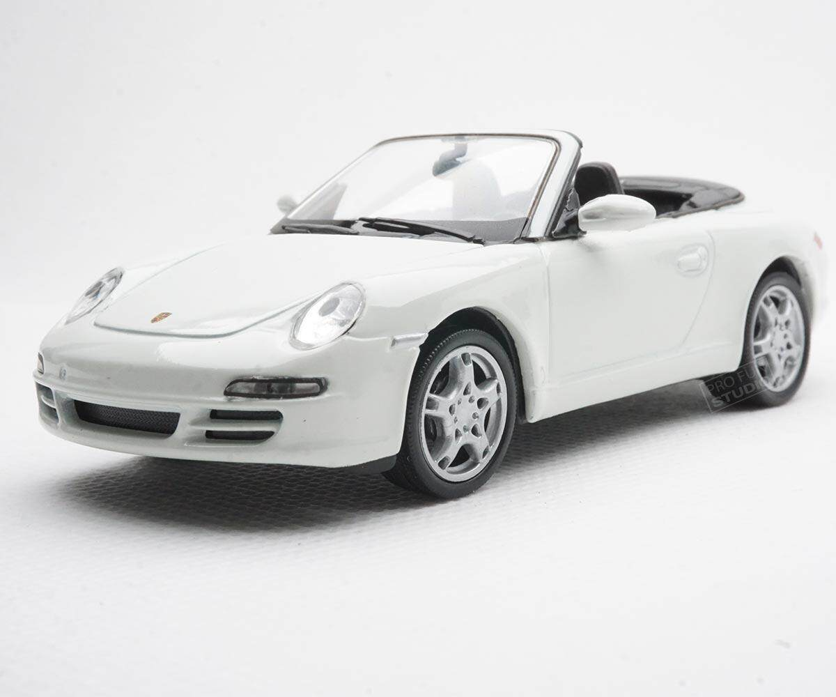 Welly Porsche 997 Cerrara S Racing 1:43 1/43 Diescat Car model White