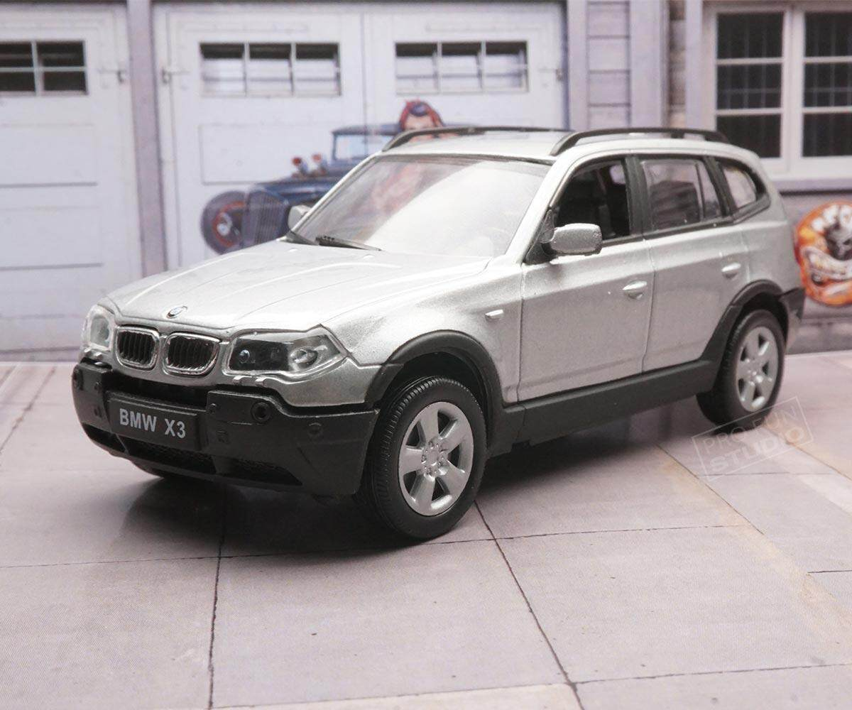Welly BMW X3 compact luxury crossover SUV 2011 1:43 1/43 Diecast car model collection Silver