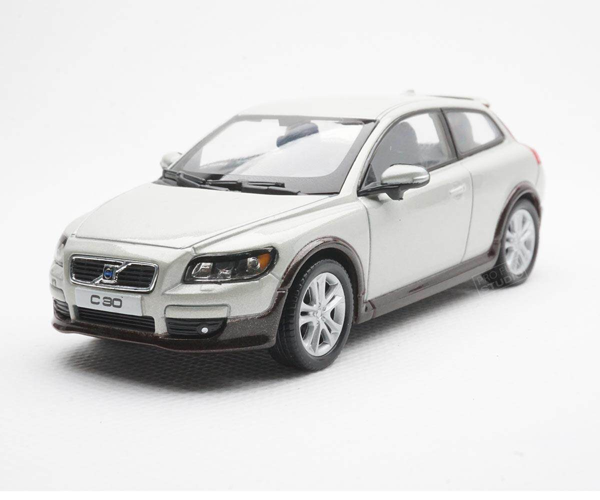 Welly Volvo C30 2010 1:43 1/43 Diescat Car model Ivory