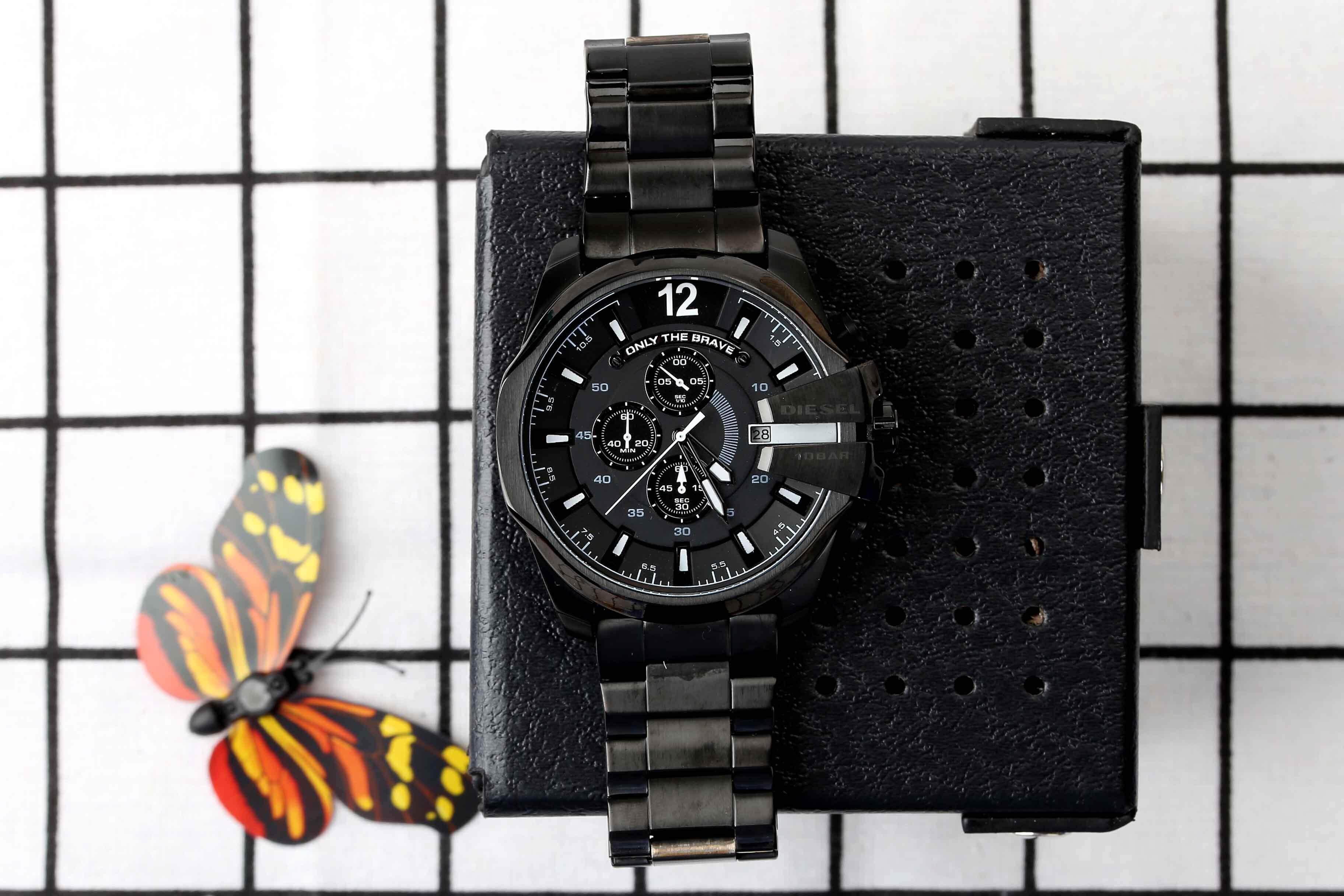 สุราษฎร์ธานี สินค้าของแท้ 100% กันน้ำดีเซลนาฬิกาผู้ชายสไตล์ใหม่! รุ่นสำหรับทหาร. สาม - Eye นาฬิกาจับเวลา Mineral Toughened แก้วกระจกญี่ปุ่นควอตซ์ Core. สายเรซิน