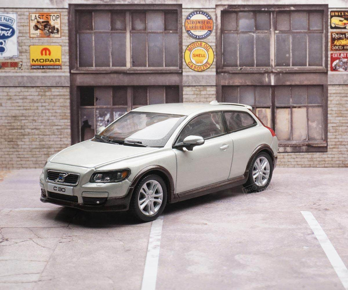 Welly Volvo C30 2010 1:43 1/43 Diescat Car model Ivory Limited Stock in World High Simulation
